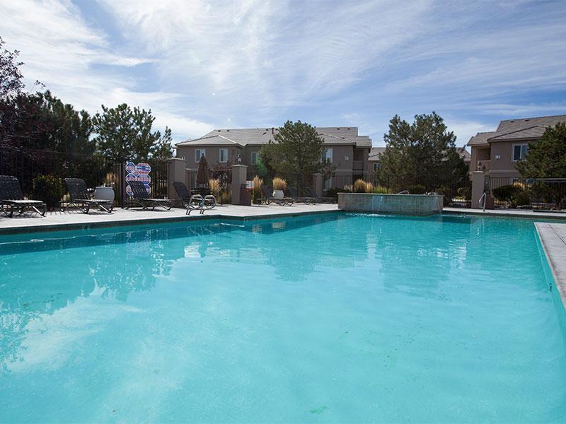 Pool | Horizon at South Meadows Apartments